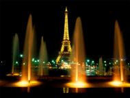 Desktop Wallpapers » Natural Backgrounds » Eiffel Tower At