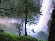 Desktop Wallpapers » Natural Backgrounds » Nice Waterfall