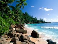 Desktop Wallpapers » Natural Backgrounds » Sea And Rocks